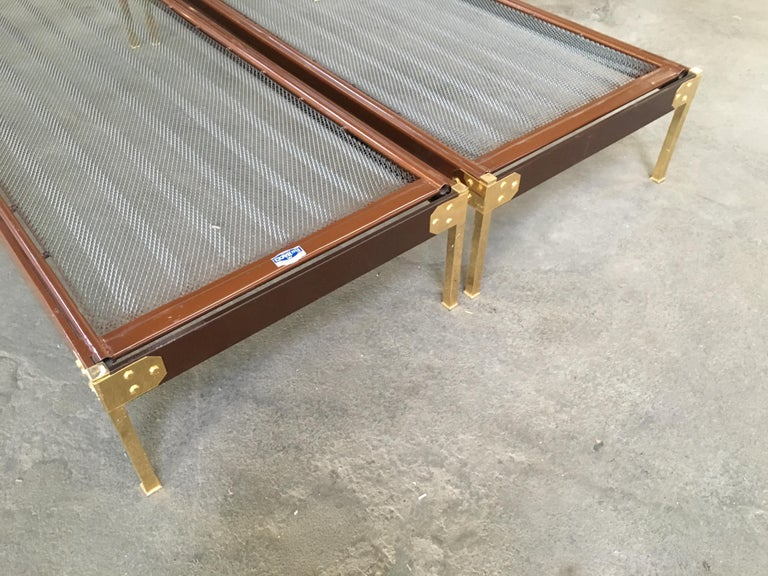 Mid-Century Modern Pair of Italian Single Beds with Gilt Headboard. 1960s For Sale 5