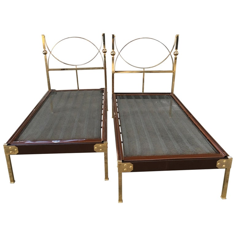 Mid-Century Modern Pair of Italian Single Beds with Gilt Headboard. 1960s For Sale