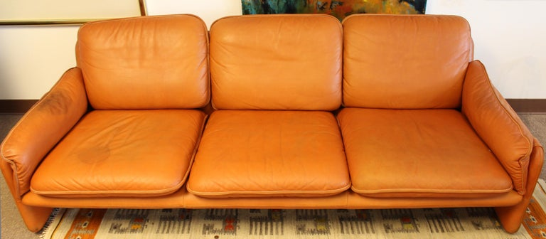 Mid-Century Modern Pair of Leather Sofa & Loveseat by De Sede, Switzerland 1970s In Good Condition In Keego Harbor, MI