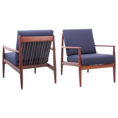 Mid-Century Modern Pair of Lounge Chairs in Teak Model 118 by Grete Jalk