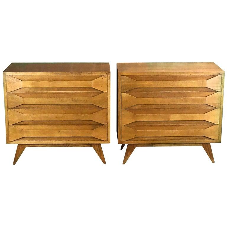 Mid-Century Modern Pair of Modernist Italian Oak Chest of Drawers For Sale
