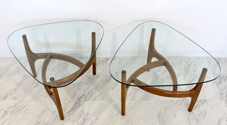 American Mid-Century Modern Pair of Side or End Table Wood and Glass For Sale