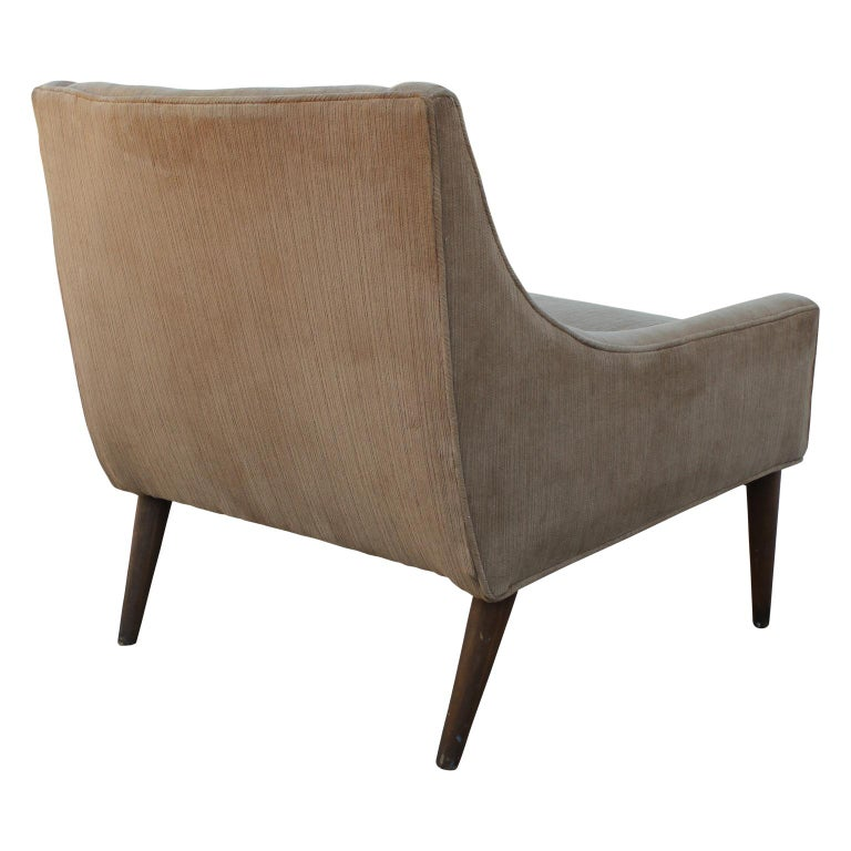 Mid-20th Century Mid-Century Modern Pair of Slipper Lounge Chairs with Walnut Base For Sale