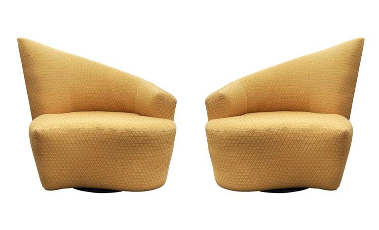 Mid-Century Modern Pair of Slipper Swivel Lounge Chairs by Vladimir Kagan For Sale 1