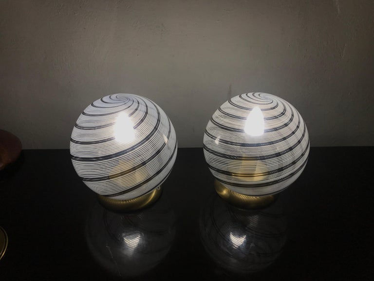 Space Age Mid-Century Modern Pair of Venini Table Lamps in Brass and Murano Glass For Sale
