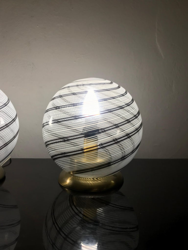 Italian Mid-Century Modern Pair of Venini Table Lamps in Brass and Murano Glass For Sale