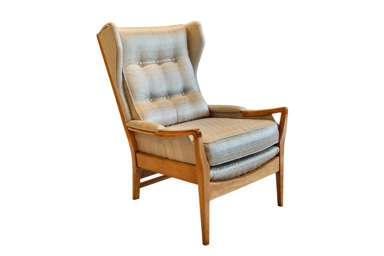 Varnished Mid-Century Modern Pair of Wingback Teak Chairs Attributed to Arne Norell For Sale
