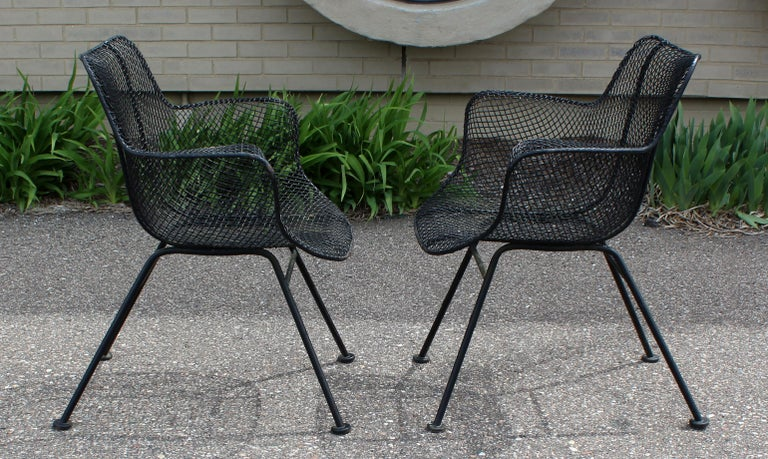 Mid-Century Modern Pair of Woodard Sculpture Patio Outdoor Lounge Armchairs