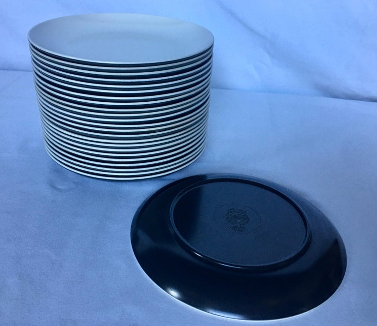 Mid-Century Modern Pan Am Airlines Melamine Plates Dinnerware Service, 1960s For Sale 3