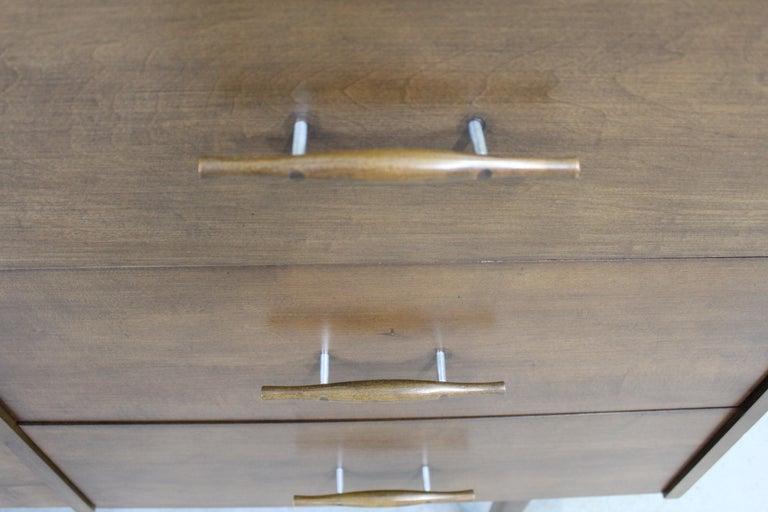 Mid-Century Modern Paul McCobb  Bachelor Chest /Dresser For Sale 4