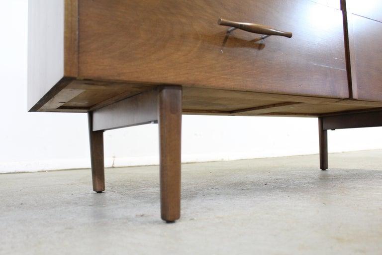 Mid-Century Modern Paul McCobb  Bachelor Chest /Dresser For Sale 5