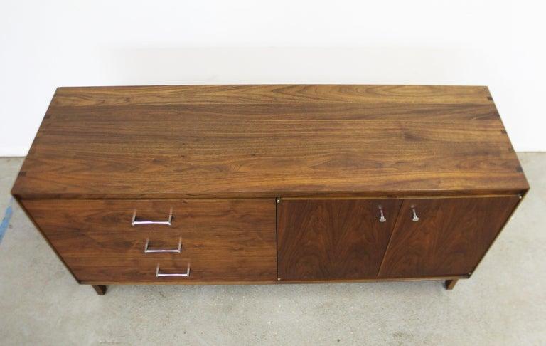 Chrome Mid-Century Modern Paul McCobb Lane 'Components' Walnut Credenza For Sale