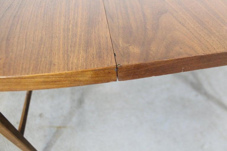 Mid-Century Modern Paul McCobb Style Walnut Extendable Dining Table For Sale 6