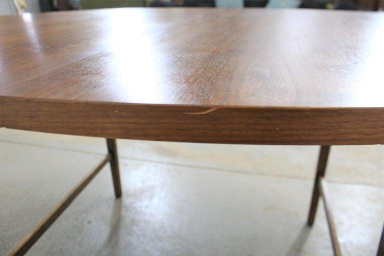 Mid-Century Modern Paul McCobb Style Walnut Extendable Dining Table For Sale 4
