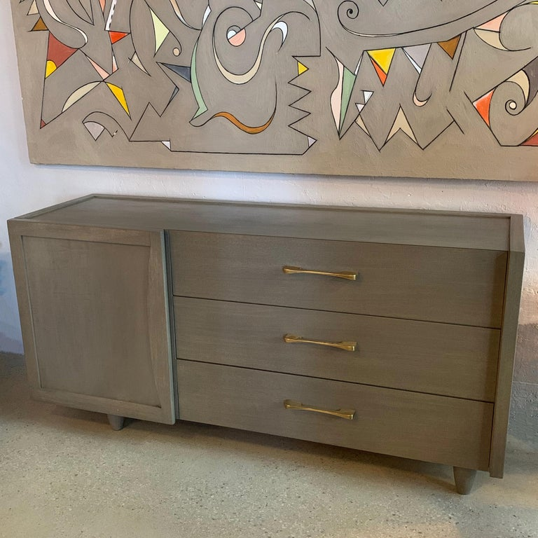 Mid-Century Modern Pickled Mahogany Dresser Credenza In Good Condition For Sale In Brooklyn, NY