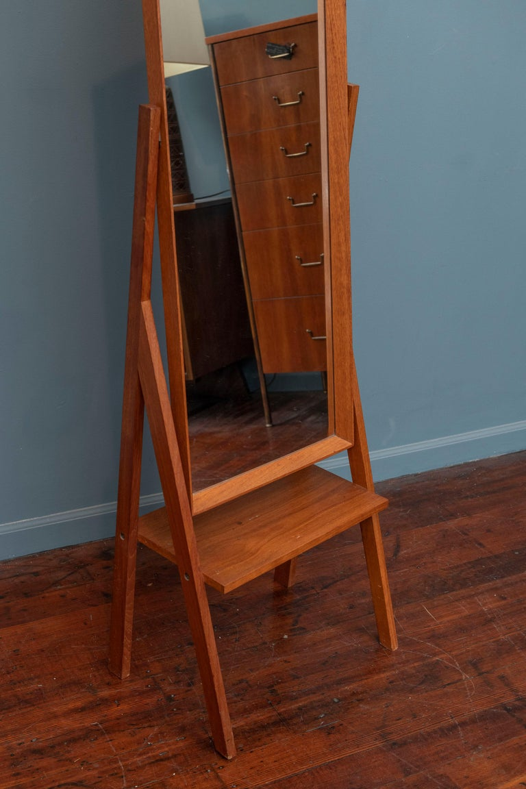 Mid-Century Modern Pivoting Floor Mirror In Good Condition For Sale In San Francisco, CA