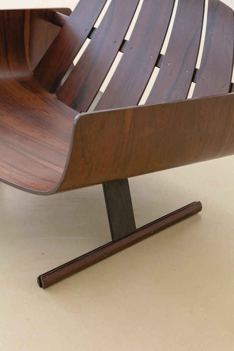 Mid-Century Modern Presidencial Armchair by Brazilian Designer Jorge Zalszupin For Sale 9