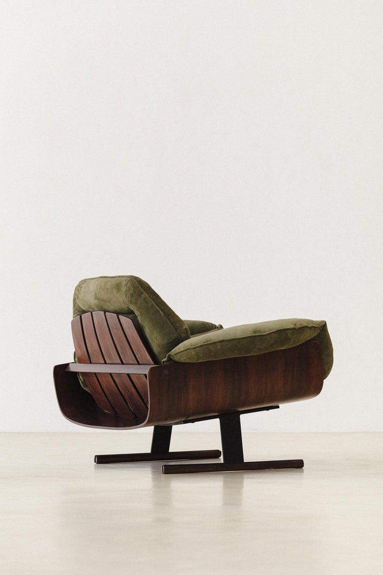 Mid-Century Modern Presidencial Armchair by Brazilian Designer Jorge Zalszupin In Good Condition For Sale In Clifton, NJ