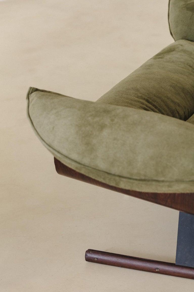 Rosewood Mid-Century Modern Presidencial Armchair by Brazilian Designer Jorge Zalszupin For Sale