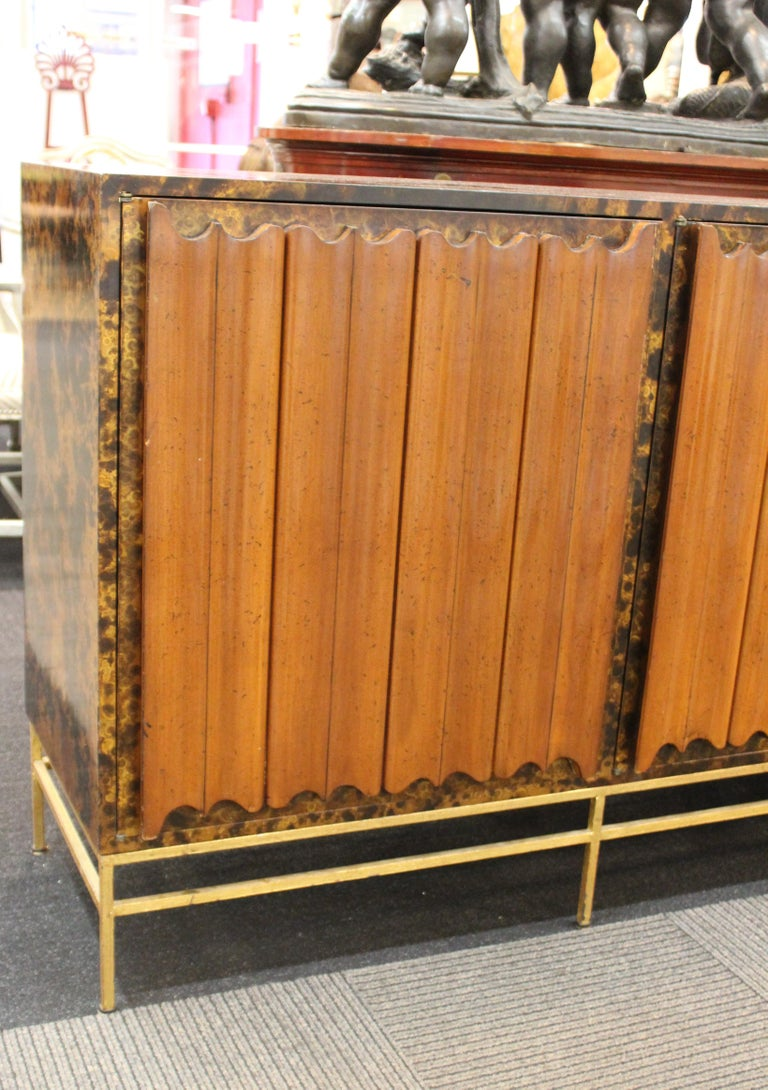 Mid-Century Modern Probber Style Credenza with Tortoiseshell Finish For Sale 4