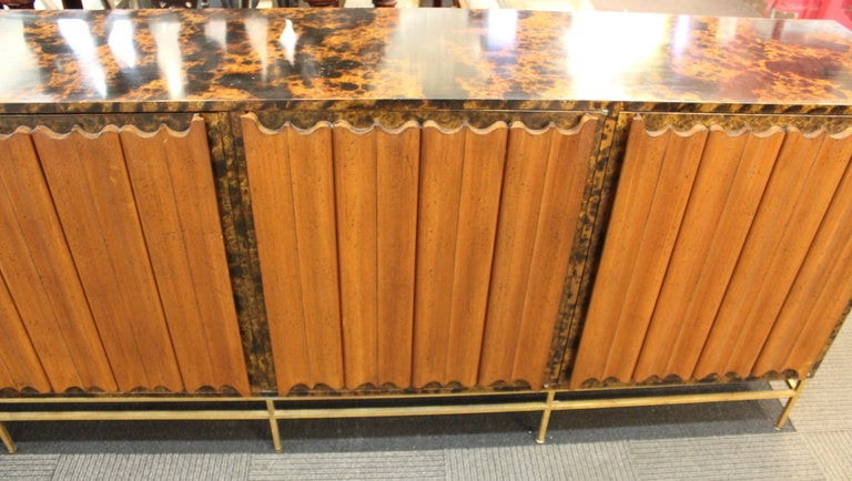 Mid-Century Modern Probber Style Credenza with Tortoiseshell Finish For Sale 6