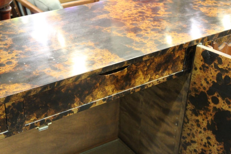 Mid-Century Modern Probber Style Credenza with Tortoiseshell Finish For Sale 9