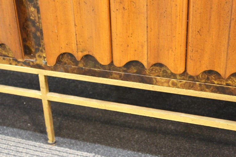 Mid-Century Modern Probber Style Credenza with Tortoiseshell Finish For Sale 13