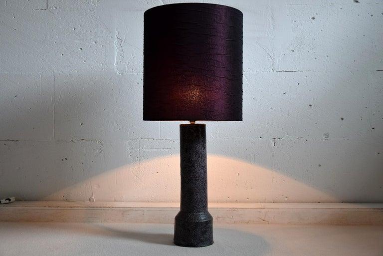 Mid-Century Modern Purple Ceramic Table Lamp by Pieter Groeneveldt For Sale 5