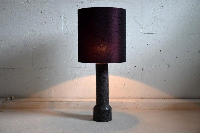 Mid-Century Modern Purple Ceramic Table Lamp by Pieter Groeneveldt For Sale 1