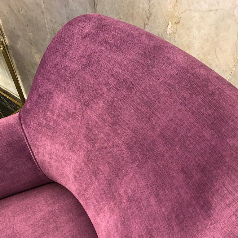 Mid-Century Modern Purple Velvet and Brass Italian Curved Sofa, 1960s For Sale 10