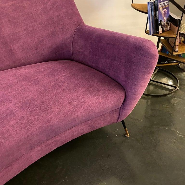 Mid-Century Modern Purple Velvet and Brass Italian Curved Sofa, 1960s For Sale 5