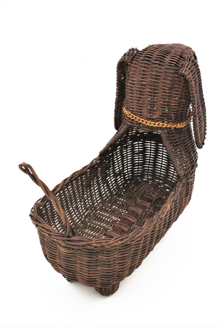 Mid-Century Modern Rattan Figural Dog Basket / Pet Bed, France, 1960s For Sale 4