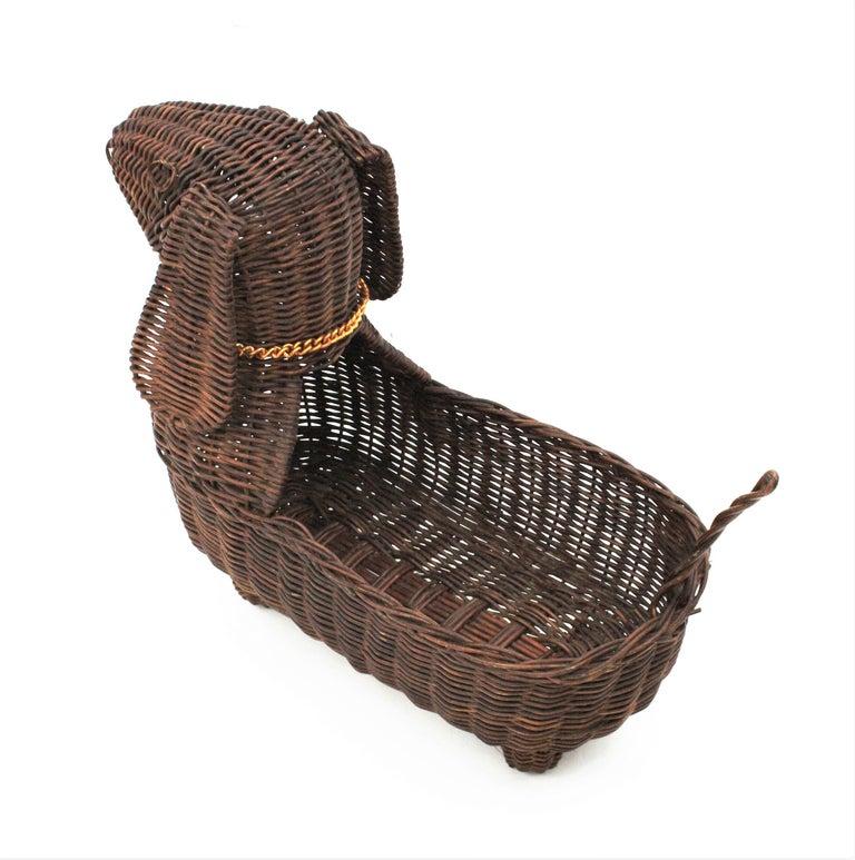 Mid-Century Modern Rattan Figural Dog Basket / Pet Bed, France, 1960s For Sale 1