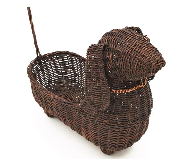 Mid-Century Modern Rattan Figural Dog Basket / Pet Bed, France, 1960s For Sale 3