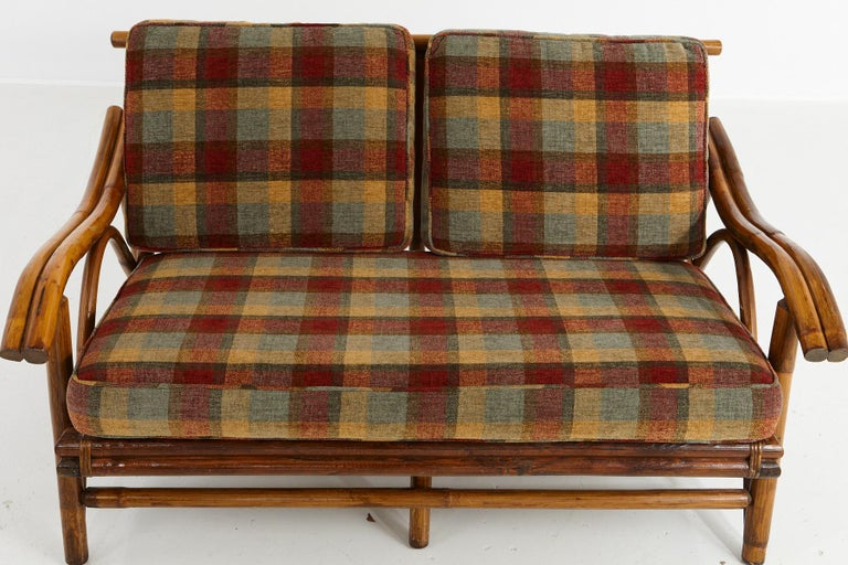 Mid-Century Modern Rattan Settee in the Style of John Wisner for Ficks Reed For Sale 1