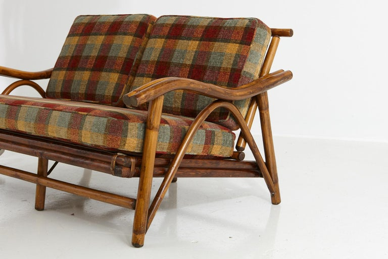Mid-Century Modern Rattan Settee in the Style of John Wisner for Ficks Reed For Sale 2