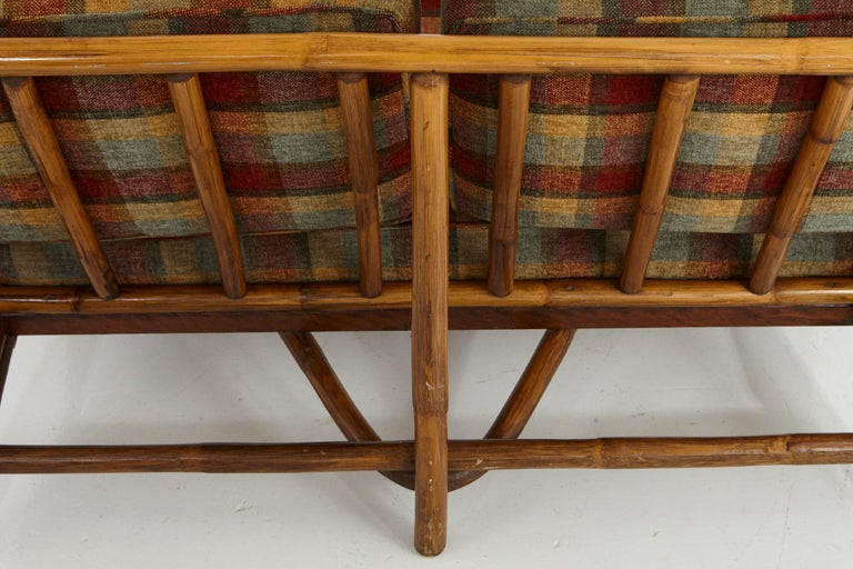 Mid-Century Modern Rattan Settee in the Style of John Wisner for Ficks Reed For Sale 3