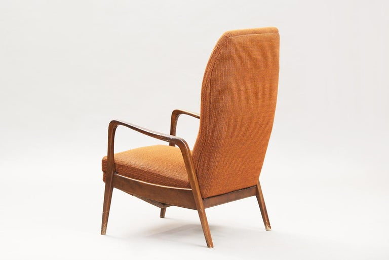 Mid-Century Modern Reclining Chair In Distressed Condition For Sale In Porto, PT