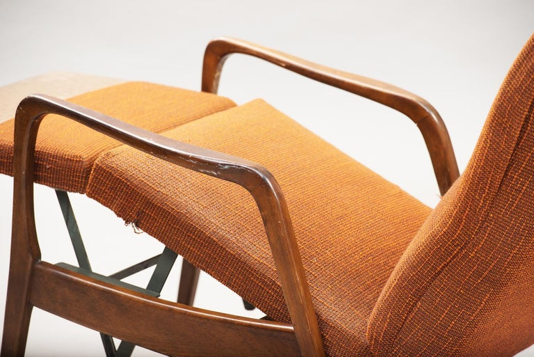 Mid-Century Modern Reclining Chair For Sale 1
