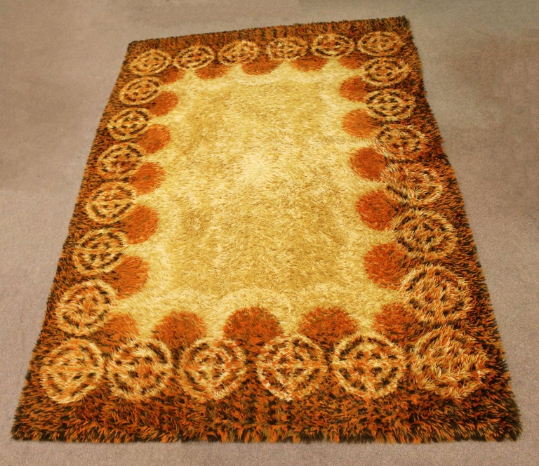 American Mid-Century Modern Rectangular Rya Area Rug Carpet Orange 1960s Sunburst Pattern For Sale