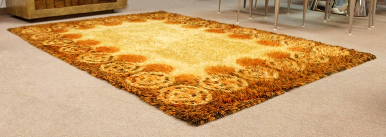 Mid-Century Modern Rectangular Rya Area Rug Carpet Orange 1960s Sunburst Pattern In Good Condition For Sale In Keego Harbor, MI