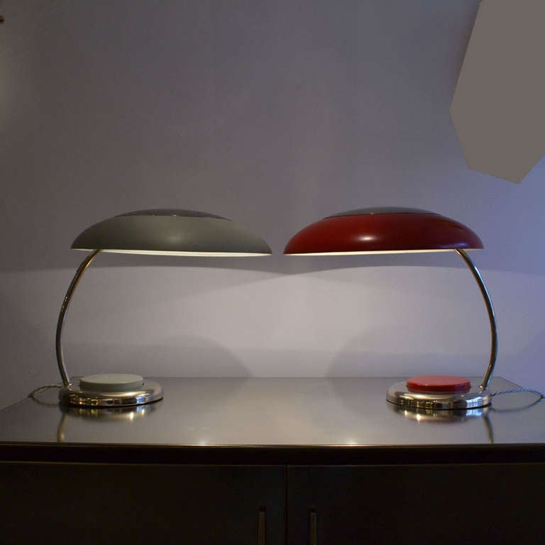 Mid-Century Modern Red Metal Desk or Table Lamp For Sale 1