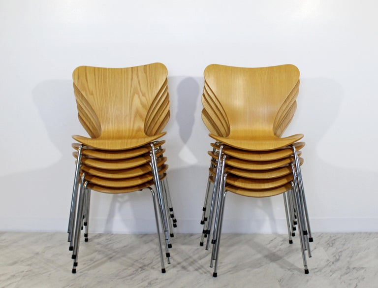 About A Chair 12 Side Chair.Mid Century Modern Reproduction Jacobsen Fritz Hansen 12 Molded Side Chairs