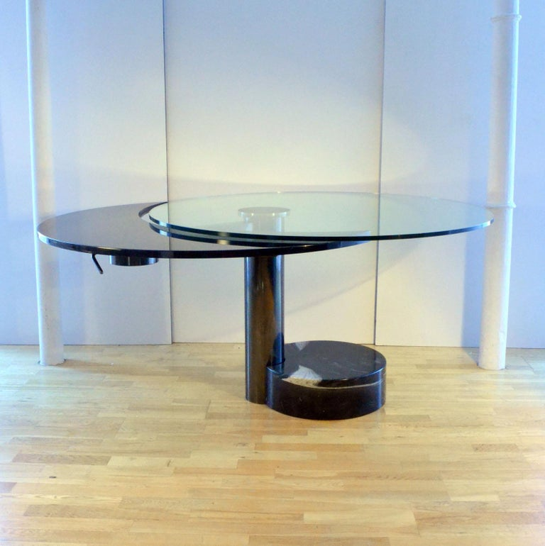 Round & Oval Dining Table with Glass & Black Top by Mario Mazzer for Zanette For Sale 2
