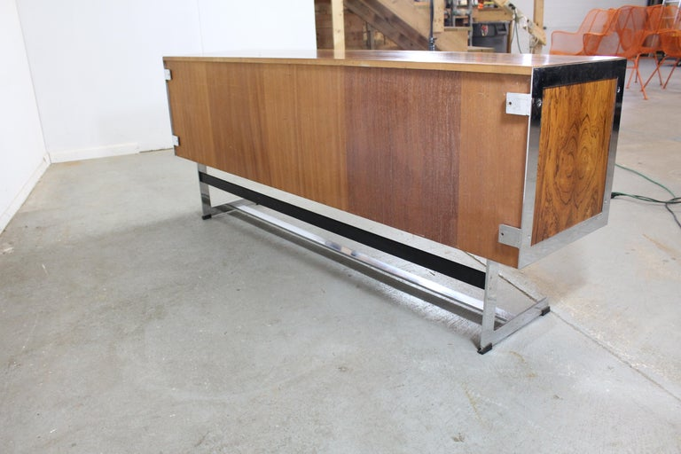 Mid-Century Modern Richard Young for Merrow Associates Chrome Credenza In Good Condition For Sale In Wilmington, DE