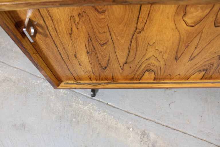 Mid-Century Modern Richard Young for Merrow Associates Chrome Credenza For Sale 2