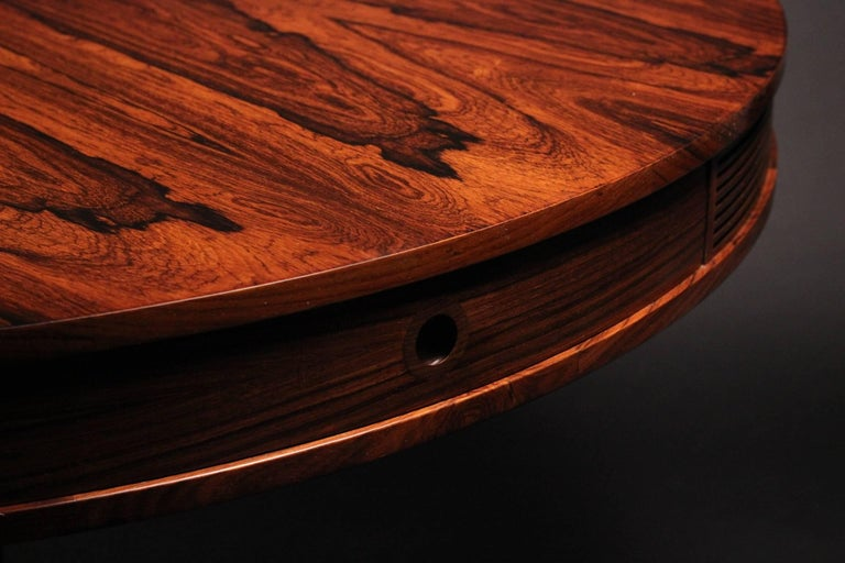 Veneer Mid-Century Modern Rosewood Dining Table by Archie Shine For Sale