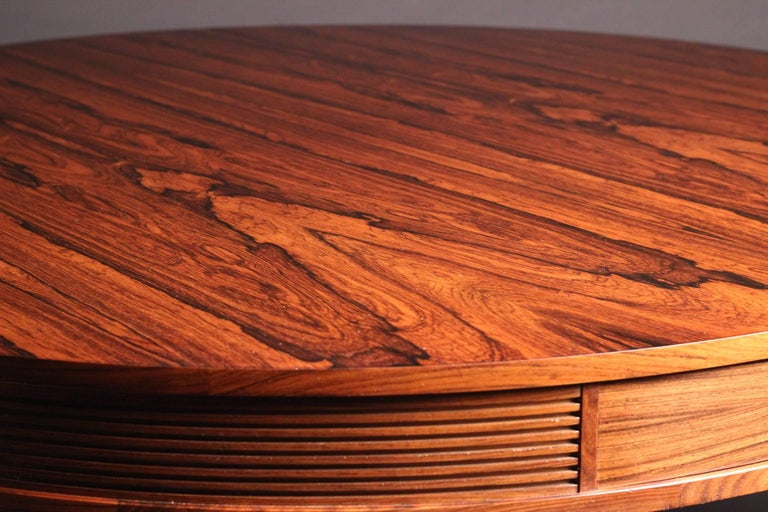 Mid-20th Century Mid-Century Modern Rosewood Dining Table by Archie Shine For Sale