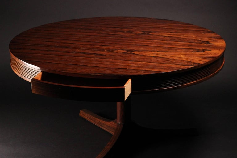 Mid-Century Modern Rosewood Dining Table by Archie Shine For Sale 1