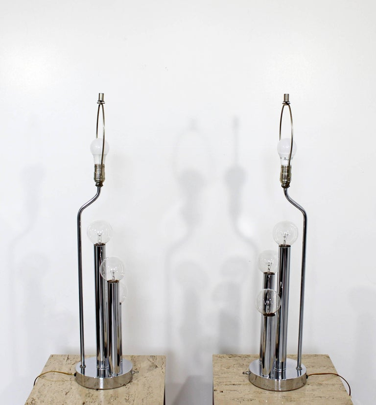 Mid-Century Modern Robert Sonneman Pair of Chrome Three Bulb Table Lamps 1970s In Good Condition For Sale In Keego Harbor, MI